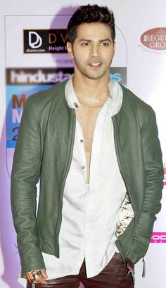 Varun Dhawan at the HT Style Awards 2015. #Bollywood #Fashion #Style #Handsome