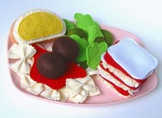 Hey, I found this really awesome Etsy listing at http://www.etsy.com/listing/62569102/italian-feast-felt-food-pdf-pattern