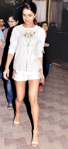 Shraddha Kapoor clicked at Juhu , the cute and adorable pics of the beautiful starlet. - Bollywood Reporter