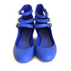 Vivienne Westwood - Anglomania + Melissa Three Strap Blue Shoes ❤ liked on Polyvore featuring shoes, flats, sapatos, blue, scarpe, strap flat shoes, vivienne westwood anglomania shoes, strap shoes, flat pumps and flat pump shoes
