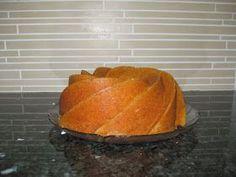 7 minuutin kakku on ihana, iso vaalea kahvikakku. Kakku on niitä helpoimpia tehdä: kaikki aineet mitataan kerralla kulhoon ja... Iso, Recipies, Food And Drink, Bread, Cheese, Baking, Recipes, Brot, Bakken
