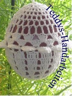 Gehäkelte Ostereier Crochet Cozy, Crochet Art, Crochet Patterns, Crochet Stone, Crochet Decoration, Fabric Yarn, Easter Crochet, Spring Crafts, Diy Projects To Try