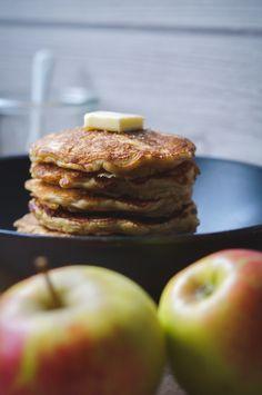 Apple Pancakes / Apfel Pancakes Doughnut, Pancakes, Baking, Fruit, Desserts, Food, Dessert Ideas, Apple, Food Food