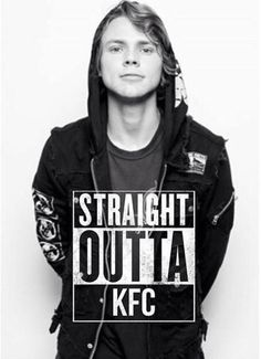 Does anyone realise that if anyone besides the 5sosfam saw this they'd be like wtf