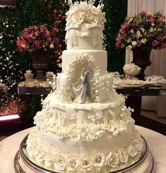 Indescribable Your Wedding Cakes Ideas. Exhilarating Your Wedding Cakes Ideas. Elegant Wedding Cakes, Beautiful Wedding Cakes, Wedding Cake Designs, Beautiful Cakes, Cake Wedding, Trendy Wedding, Luxury Wedding, Tiered Wedding Cakes, Vintage Wedding Cake Toppers
