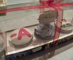 Pll cupcakea. I should feel like Hanna when I eat this..
