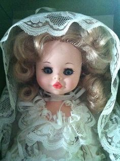 Vintage Furga Bride doll from 70s such a cute face!