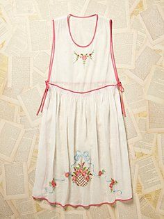 Vintage 1950s Embroidered Apron