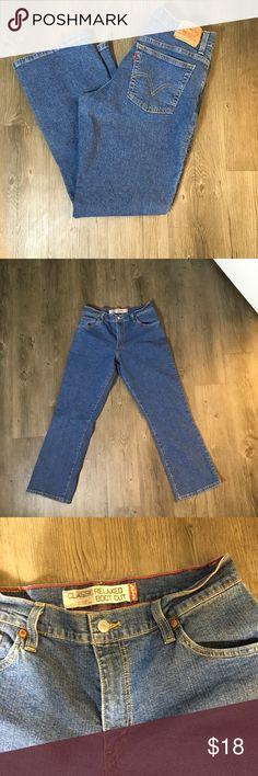ecd56624475 Levi Strauss 550 bootcut jeans Levi Strauss 550 bootcut jeans Medium wash  Size 10S Inseam 28