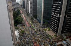 Milhares protestam contra o governo Dilma pelo Brasil