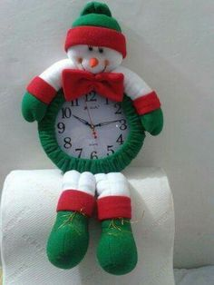 Felt Flowers, Margarita, Snowman, Christmas Ornaments, Holiday Decor, Outdoor Decor, Home Decor, Pottery Vase, Vases