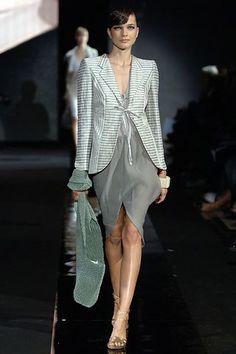 Giorgio Armani Spring 2006 Ready-to-Wear Collection Photos - Vogue