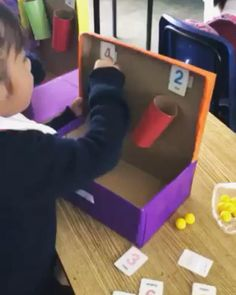 DIY Counting and Adding Machine - Make this DIY learning game recycling an old shoe box and some cardboard toilet roll tubes. The stud - Preschool Learning Activities, Play Based Learning, Fun Learning, Preschool Activities, Cognitive Activities, Math For Kids, Fun Math, Math Games, Counting Games