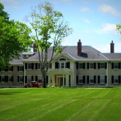 """Hildene"" is the Manchester estate of Robert Todd Lincoln, eldest son of President Abraham and Mary Todd Lincoln. This was his summer home for over 20 years, until his death on July Manchester, Vermont. American Presidents, American Civil War, Robert Todd Lincoln, Abraham Lincoln Family, Rich Home, Beautiful Sites, Famous Places, Celebrity Houses, Old Houses"