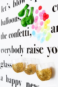 Kate Spade Story Wall inspired this New Year's Toast Poster - get the free printable from @PagingSupermom