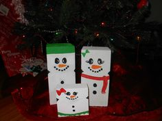 Snowman Family Handpainted on Wooden Posts from Garden of Ella (Daddy, Mommy, Daughter)