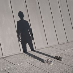 """Creative photo series by Spanish artist and photographer Pol Ubeda Hervas. """"I'm Not There"""" images represent the change of Pol Ubeda's personality: """"My shadow is there but I erase myself because I don't know who I am any longer. I do not react in the s Shadow Photography, Creative Photography, Art Photography, Illusion Photography, Advanced Photography, Perspective Photography, Pattern Photography, Photography Gallery, Shadow Art"""