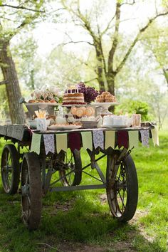 I Love This Idea Could Use A Farm Wagon W Center Piece