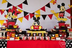 Mickey and Minnie Mouse Party by http://carameloparty.blogspot.com/#