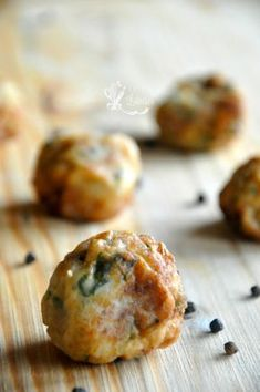 Chiftelute de conopida Raw Vegan Recipes, Vegetable Recipes, Vegetarian Recipes, Healthy Recipes, Baby Food Recipes, Cooking Recipes, Good Food, Yummy Food, Cafe Food