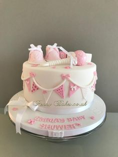Buttons and bows Baby Shower Cake. by Penny Sue 2019 Buttons and bows Baby Shower Cake. by Penny Sue The post Buttons and bows Baby Shower Cake. by Penny Sue 2019 appeared first on Baby Shower Diy. Torta Baby Shower, Tortas Baby Shower Niña, Girl Shower Cake, Bow Baby Shower, Idee Baby Shower, Shower Bebe, Baby Shower Brunch, Baby Shower Cake For Girls, Bow Cakes