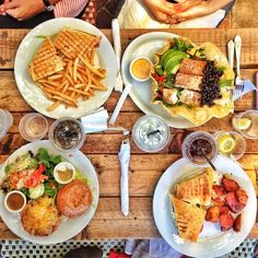 Lunch at Aroma Coffee and Tea Co. in Los Angeles / photo by Tim Melideo