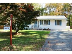 """Really cute #firsttimebuyer house - 9 Allen Road, #Brookfield, CT 06804 — Lovingly Cared for Ranch Style Home Conveniently Located to Brookfield Town Park, Shopping and I-84. Spacious Living Room, Formal Dining Room, Large Eat-In-Kitchen with new D/W, lots of cabinet storage.  All Bedrooms have Wall-to-wall carpeting over Hardwood. Living Room has Partial Hardwood Under Carpeting.  Level back yard, Huge Unfin. Basement Great for Storage, new Dryer. Great Starter Home! Sold """"As is""""-Estate…"""