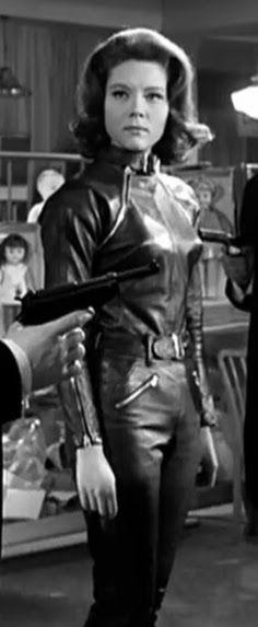 Emma Peel, The Avengers, Avengers Women, Diana Riggs, Dame Diana Rigg, Steampunk Corset, Steampunk Fashion, Bond Girls, Waist Training Corset