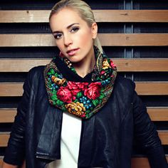 russian scarf style in black <3
