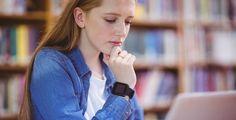 Studium mit Fitness-Armband-Zwang - Überwachung oder innovatives Lehrkonzept? Studierende einer Uni in den USA sind verpflichtet, Fitnessarmbänder zu tragen. Schrittzahl und Puls gehen mit in die Noten ein.