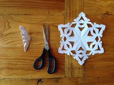 LIFE IS SWEET: Paper Snowflakes 101