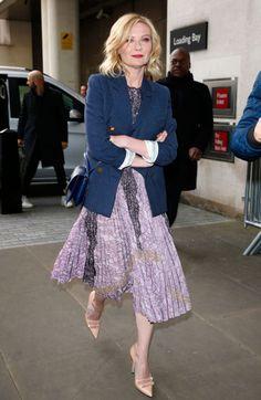 Kirsten Dunst in Gucci dress - In London. (31 March 2016)