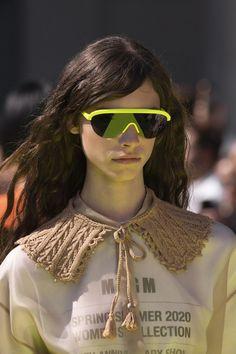 Msgm at Milan Fashion Week Spring 2020 - Details Runway Photos Sunnies, Cute Sunglasses, Sunglasses Women, Collar Designs, Msgm, Fashion Outfits, Womens Fashion, Fashion Details, Custom Clothes