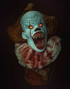 Pennywise The Dancing Clown. IT 2017 remake. Le Clown, Creepy Clown, Pennywise The Dancing Clown, It Pennywise, Pennywise Tattoo, Scary Wallpaper, Clown Tattoo, Horror Artwork, Evil Clowns