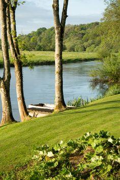 Enjoy boutique luxury at Undercastle Cottage - New Forest. Boutique Retreats, New Forest, Hampshire, Cottage, Luxury, Interior, Plants, Travel, Viajes