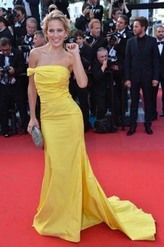 YELLOW FASHION TREND Moda color amarillo