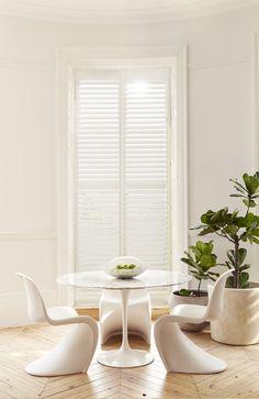 Chaise Panton, Zen Space, Minimal Decor, Interior Stylist, Shutters, Exterior Design, Interior Inspiration, Minimalism, Sweet Home