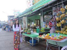 Market at Phra That In Kwan  Myanmar