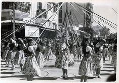 Το περίφημο γαϊτανάκι 1952 οι «Ημέρες Χαράς» όπως ονομάστηκαν, ήταν η απαρχή της νέας «χρυσής εποχής» του Καστρινού Καρναβαλιού.