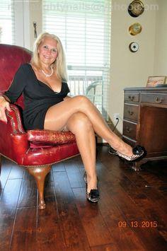 Mature female spanking