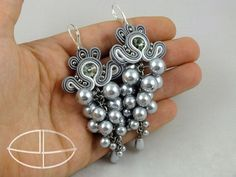 Silver Grapes Handmade Soutache Earrings with Swarovski Rivoli Jewelry Crafts, Handmade Jewelry, Soutache Tutorial, Soutache Necklace, Passementerie, How To Make Beads, Bead Art, Beaded Embroidery, Beading Patterns