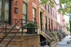Walking through Brooklyn Heights