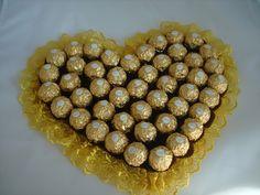 Ein Herz aus Ferrero Pralinen