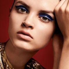 Nos mueve el maquillaje y a ti? Forma parte de la primera comunidad que piensa por y para el maquillaje en http://ift.tt/26dCqly Maquillaje de Violette.