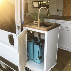204 Likes, 24 Comments - Vanlife 🚐 Camper Kitchen, Travel Aesthetic, Tiny Living, Do Anything, Campervan, Van Life, Solo Travel, Kitchen Sink, Shaving