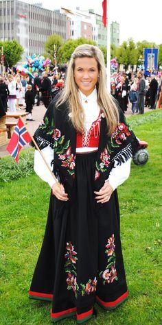 Vest-Agder bunad - I have relatives from Vest Agder, Kristiansand.