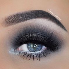 Smokey Eye Looks: Introducing the Freshest Makeup ★ See more: https://makeupjournal.com/smokey-eye-freshest-makeup/