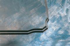 Um detalhe que faz toda a diferença na decoração de interiores. Bisotê - Lapidação no tampo de vidro para mesas.