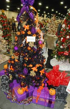 halloween christmas tree this might be at my house this year - Halloween Christmas Decorations