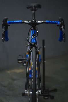 Colnago dream in Mapei colors with all modern components. Ingredients for this hot dish are Chorus 11sp 2015 / chris king headset / Campagnolo Chorus hubs laced with Colnago ambrosio rims, topped with veloflex Corsa 25 gripped tight with Zipp QR. / record carbon seatpost / Brooks swallow titanium ( No change for Saddle as i intend to break it in ) / Zipp vukasprint Carbon bar and Zipp stealth stem / Look keo pedals /